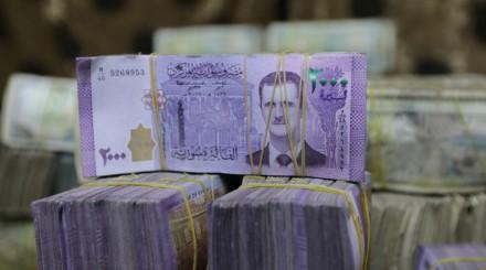 هل أصدر بشار الأسد مرسوماً برفع رواتب العاملين والمتقاعدين بنسبة 100% ؟